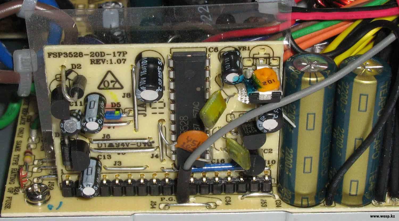 Дополнительная плата FSP3528-20D-17P REV:1.05 с микросхемой ШИМ-контроллера 3528