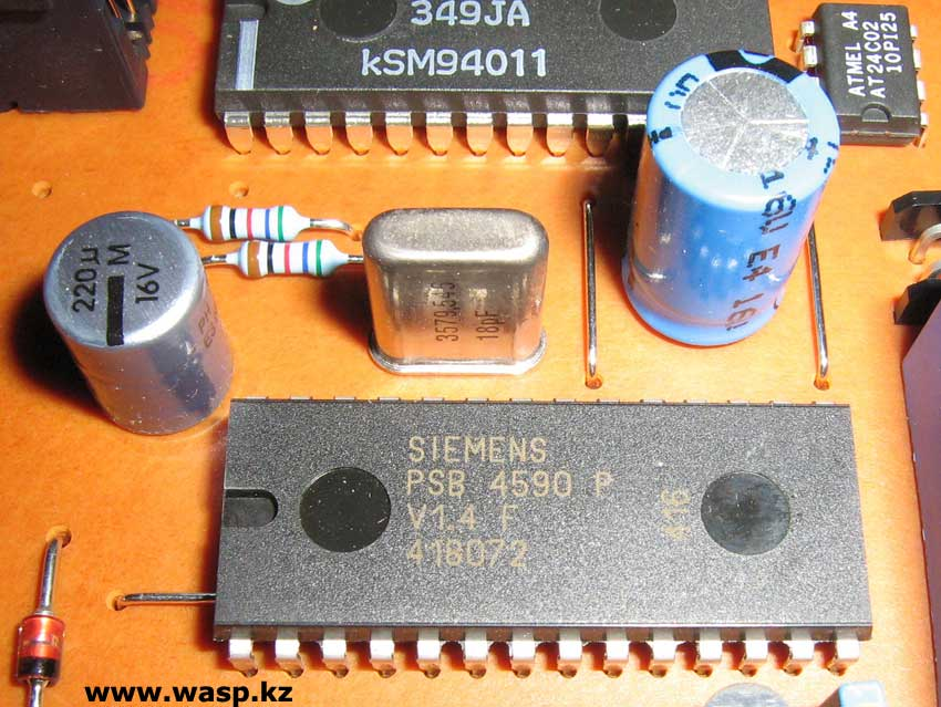 Siemens PSB 4590 P V1.4 F 418072 и микросхема ATMEL AT24C02